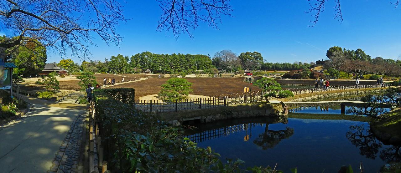 20170204 後楽園今日の南門を入って直ぐ場所から眺めた園内ワイド風景 (1)