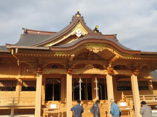 富知六所拝殿