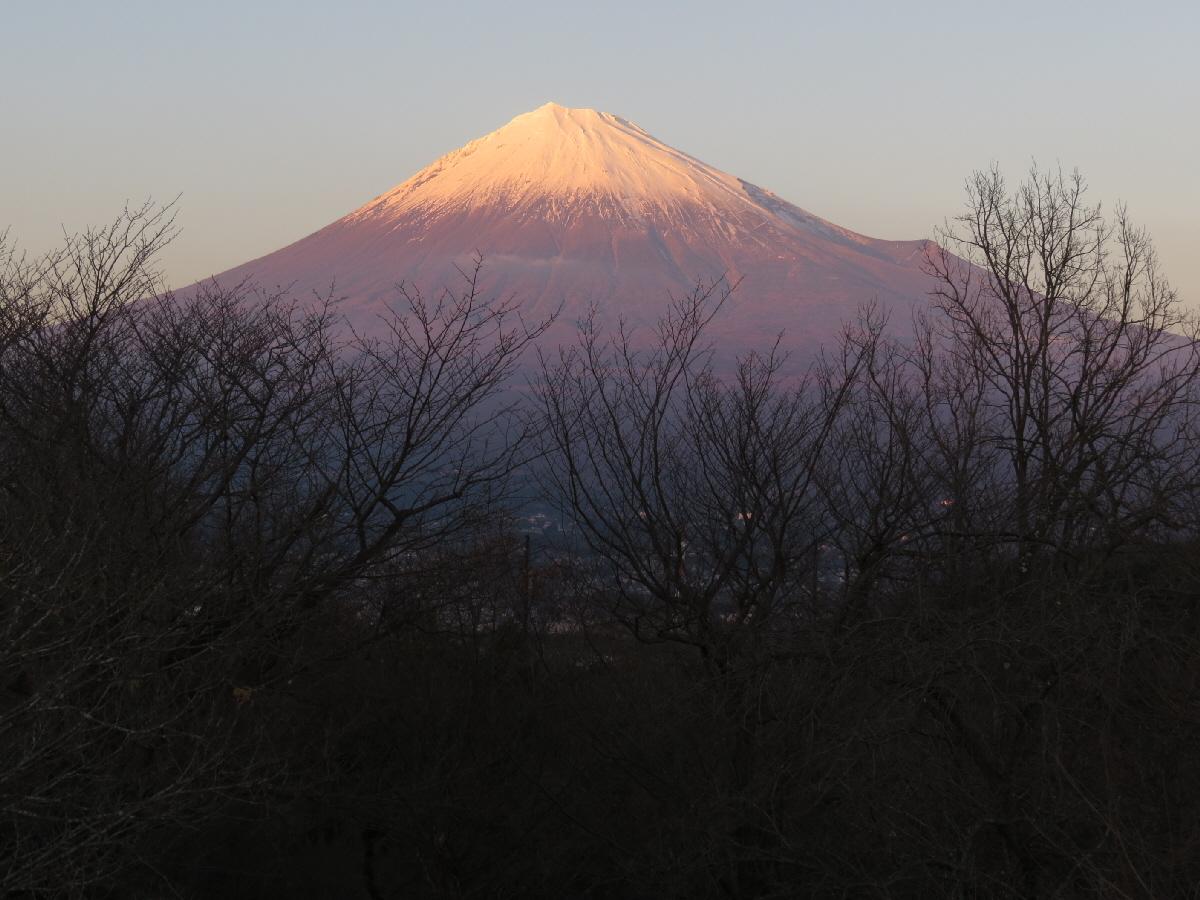 富士山隠れスポット岩本山