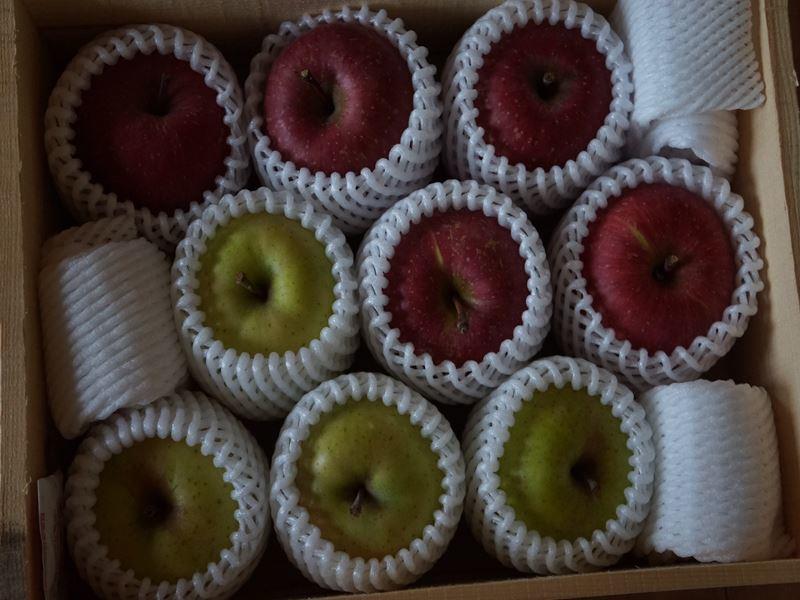 お歳暮のリンゴ