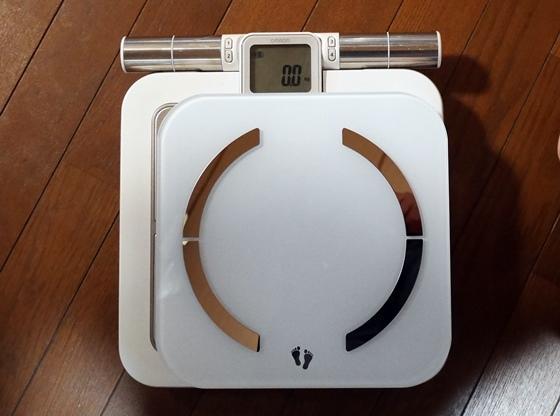 体重計新旧大きさ比較