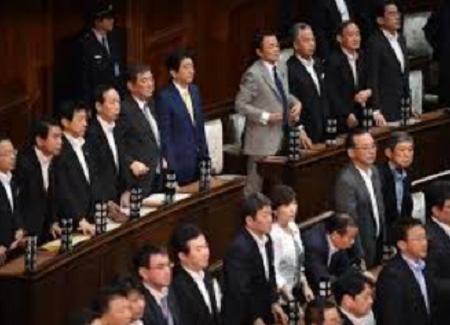 20170127法案に賛成する首相と閣僚