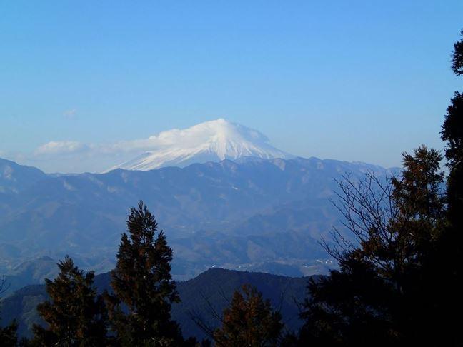 g 山頂からの富士