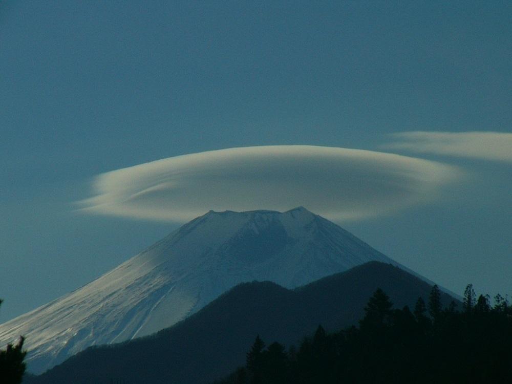 1富士の傘雲P1060680
