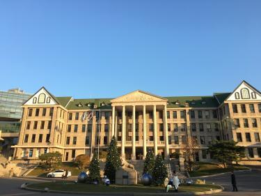 クリスマスツリーがお目見え!漢陽大学