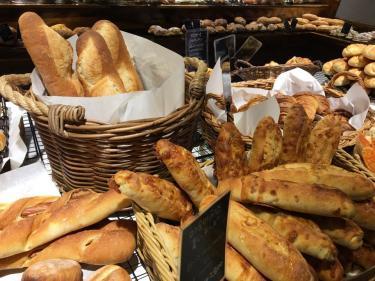 やっぱりハード系なパンも好きです^^