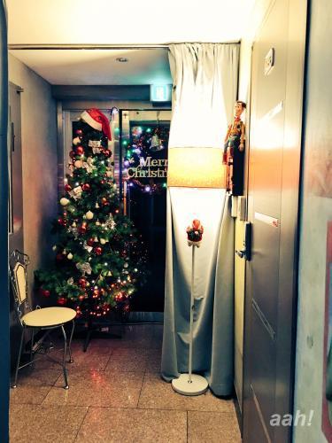 今年も我がワンルームにクリスマスツリーがお目見えw