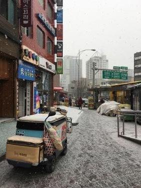 今朝、ソウルも雪が降ってました^^