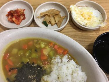 お気に入りの韓国カレー丼。w