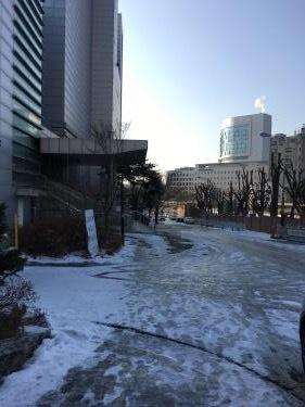 連休最終日。雪が降った後のソウルは・・