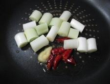 鶏もも肉とカシューナッツの炒め物 調理③