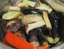 鎌倉ナスと茸の揚げ浸し 調理④