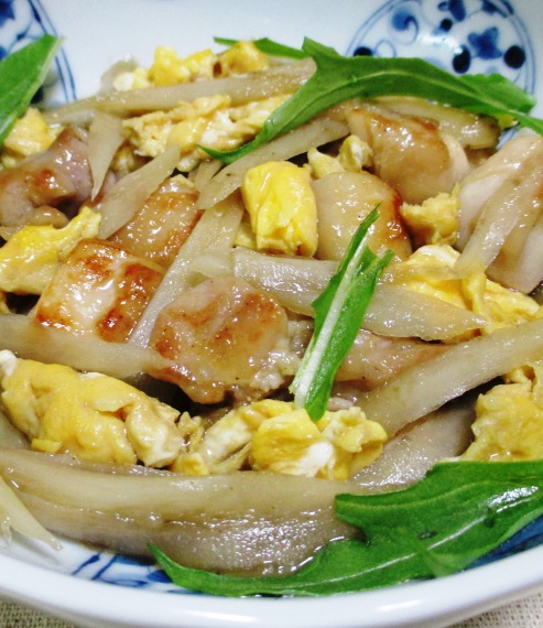 ごぼうと鶏たまの煮物 B