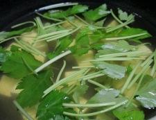 豆腐と三つ葉のすまし汁 調理