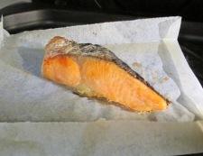 鮭とレタスのオイスターソース炒飯 【下準備】①