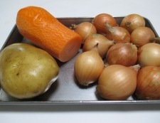 ベーコンと玉ねぎのコンソメスープ煮 材料②