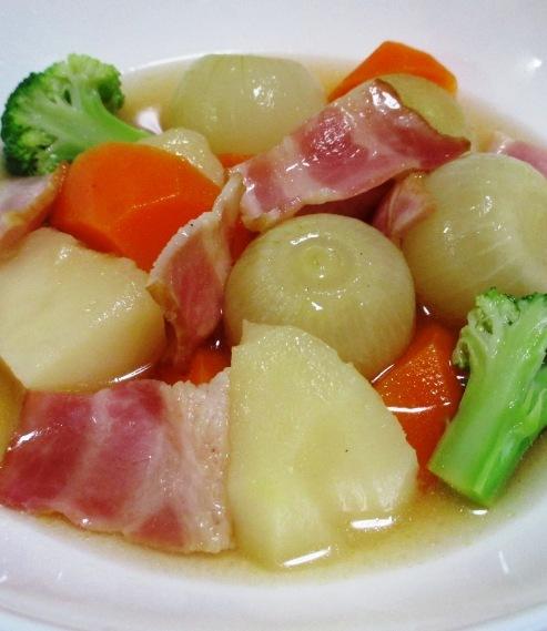 ベーコンと玉ねぎのコンソメスープ煮 B