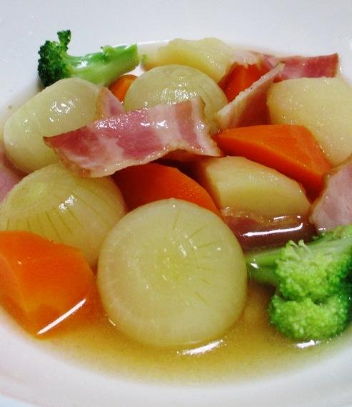ベーコンと玉ねぎのコンソメスープ煮 拡大