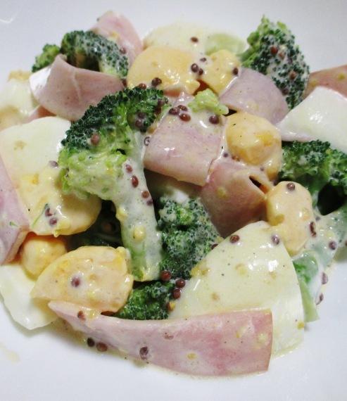 ブロッコリーと卵のサラダ B