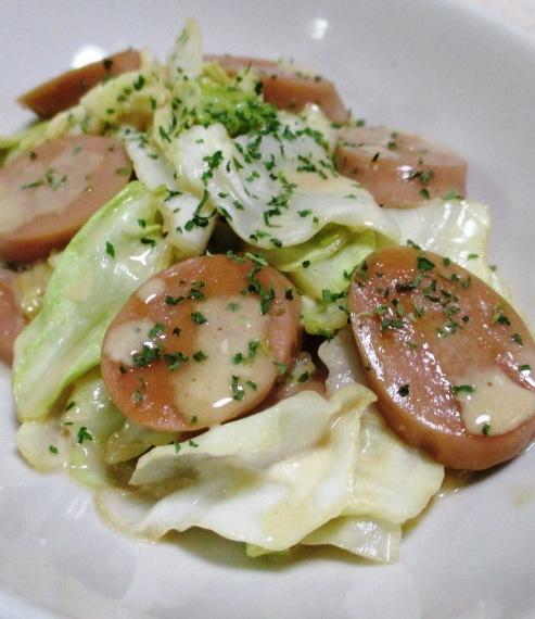 キャベツと魚肉ソーセージのマヨポン炒め B