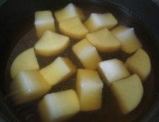 大根と鶏だんごの煮物 調理②