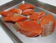 甘塩鮭と白菜の煮物 調理①