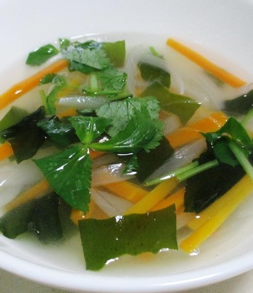 野菜わかめスープ 大