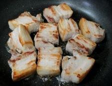 角切り豚バラとこんにゃくの甘辛煮 【下準備】①