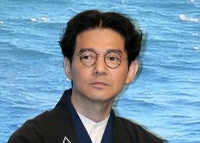 東雲忠志/吉岡秀隆