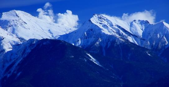 地球内部のエネルギーを感じる御岳山の噴煙
