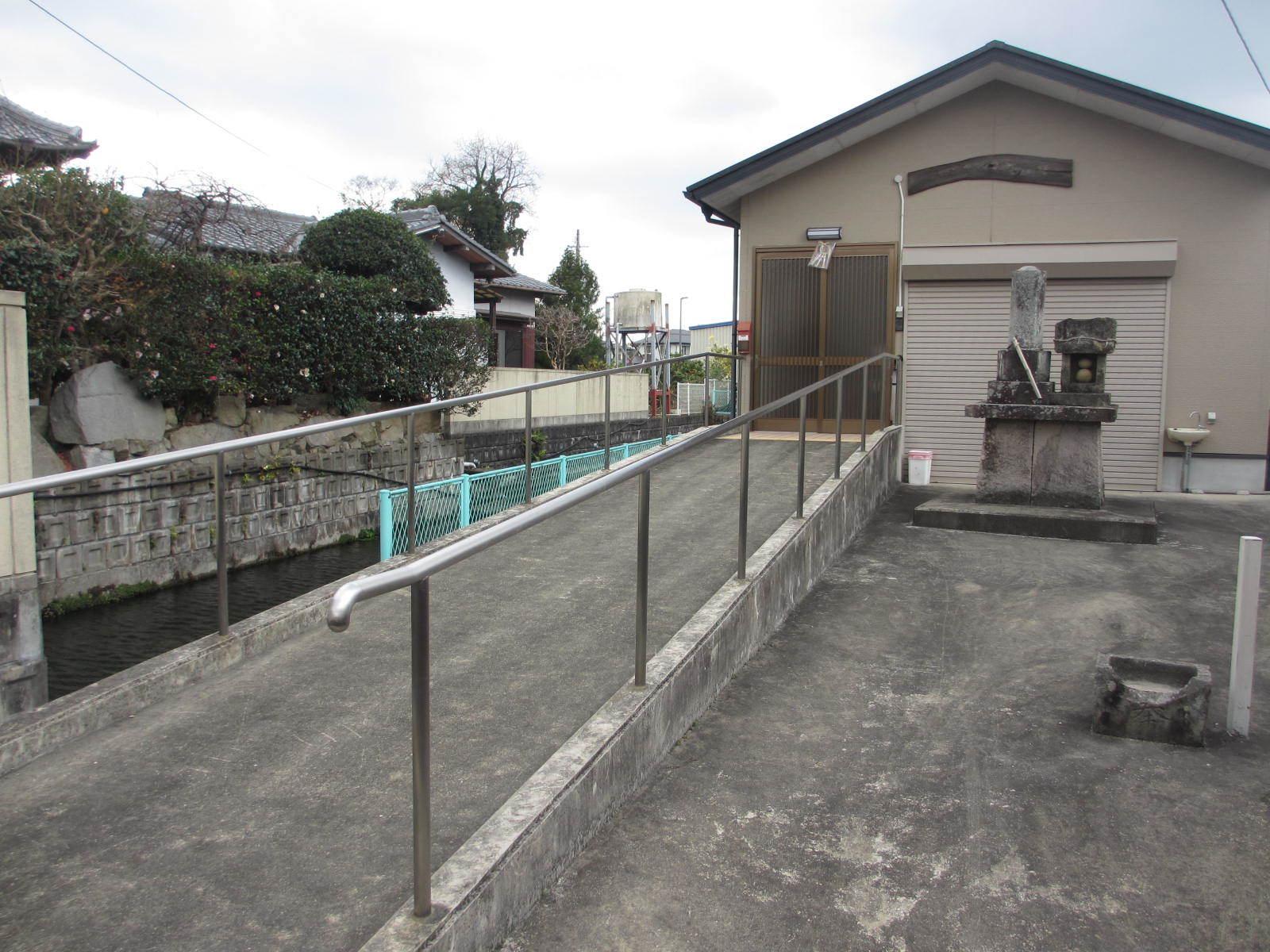 田村神社近くの出水 湧水