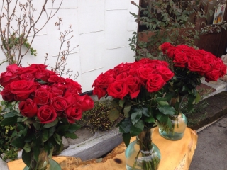 お正月の花飾りにバラ