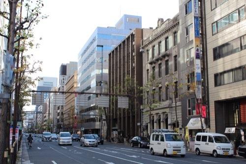 0184:新井ビル 堺筋の北方面から
