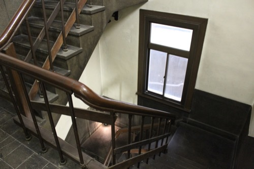 0184:新井ビル 裏側の階段③
