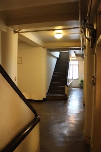 0186:伏見ビル 廊下の様子