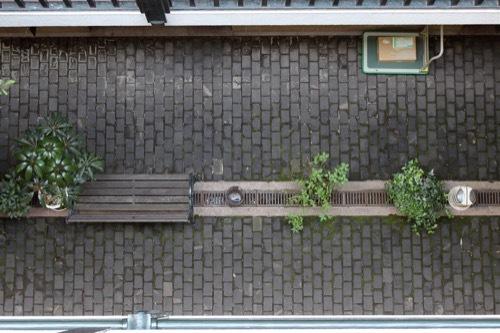 0188:船場ビルディング 4階から中庭を見下ろす
