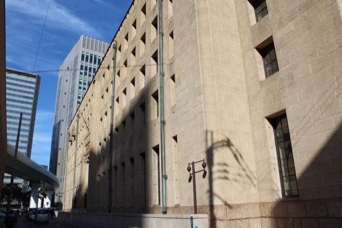 0194:三井住友銀行大阪本店 西側外観①