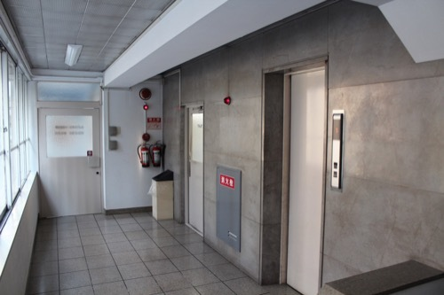 0197:リバーサイドビル EVホールの様子
