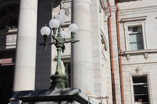 0199:府立中之島図書館 玄関部の照明