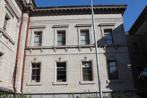 0199:府立中之島図書館 中央棟のファサード