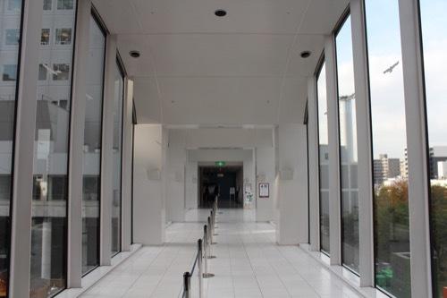 0200:梅田スカイビル 連絡廊下内部