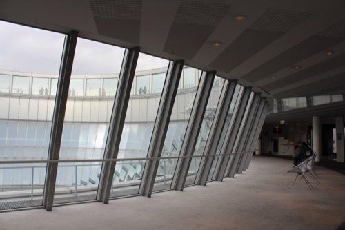 0200:梅田スカイビル 40階の様子①