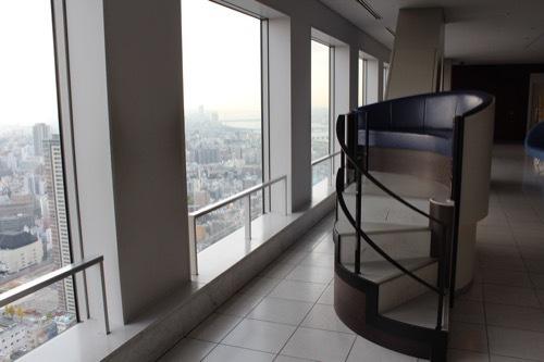 0200:梅田スカイビル 40階の様子②