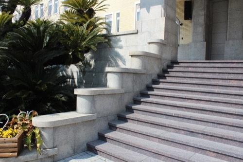0201:和歌山県本庁舎 正面階段のデザイン