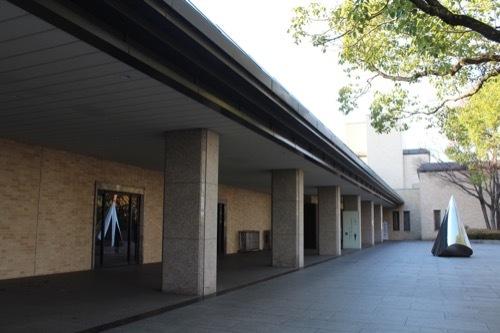 0208:三重県立美術館 入口広場①