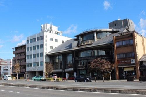 0215:西利本店 堀川通の向かいから①