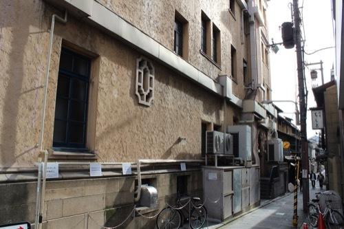 0216:東華菜館 西側外観①