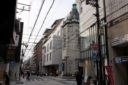 0219:日本生命京都三条 三条通から