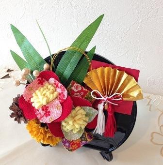 椿のお正月飾り 3