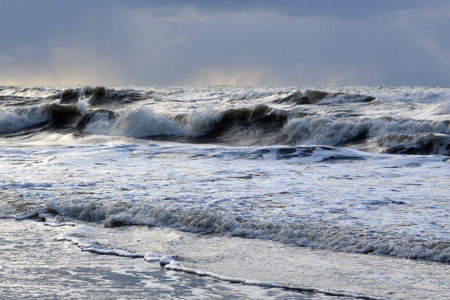 冬の日本海 波-3